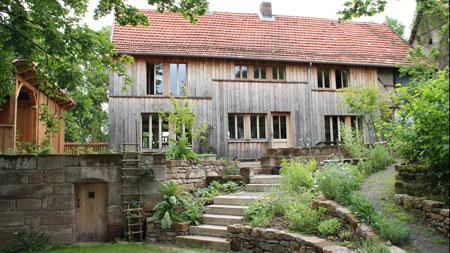 Fassadengestaltung Mit Larchenholzschalung